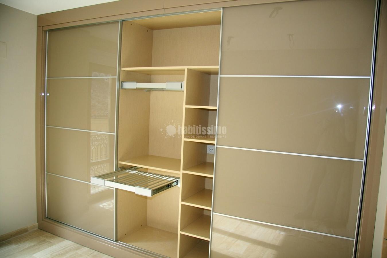 Distribuir armarios por dentro amazing perfect encantador - Vestir un armario por dentro ...